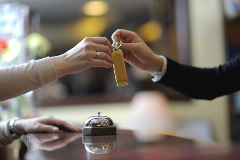 Những điều bạn chưa biết về nghề lễ tân khách sạn