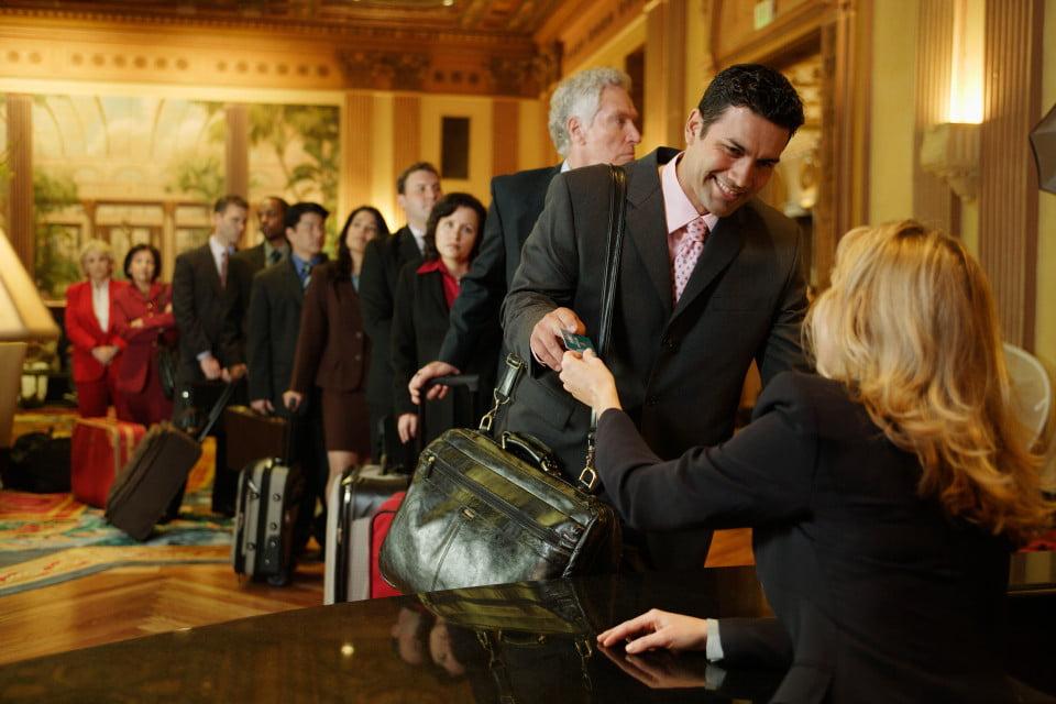 7 điều cần lưu ý khi làm thủ tục check-in cho khách đoàn (GIT)