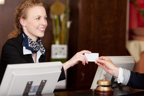 Phần mềm quản lý khách sạn giúp tăng năng suất nhân viên lễ tân