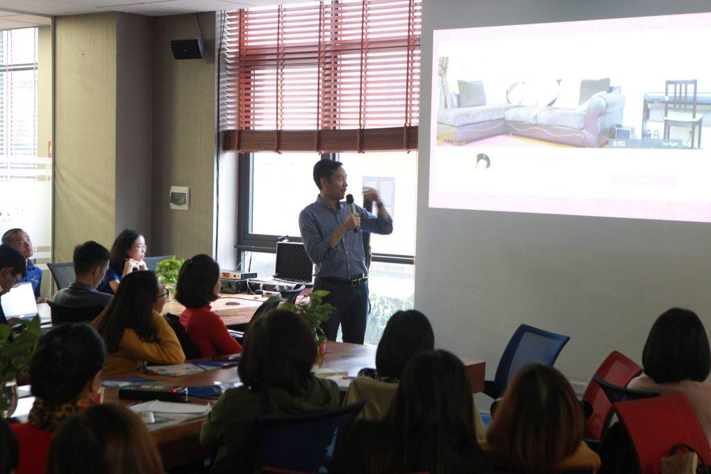 """Hình ảnh trong buổi workshop: """"Quản lý và kinh doanh khách sạn trong thời đại 4.0"""""""