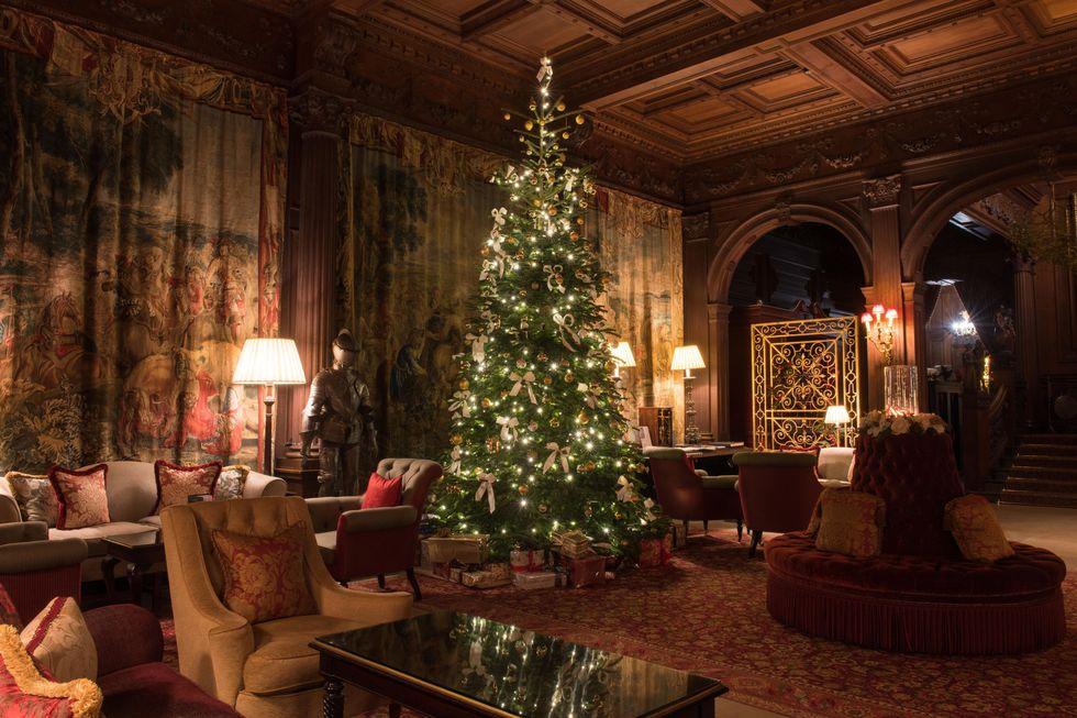 Trang trí cây thông Noel