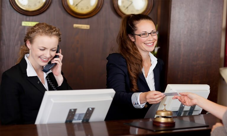 Những kỹ năng cần có của lễ tân khách sạn