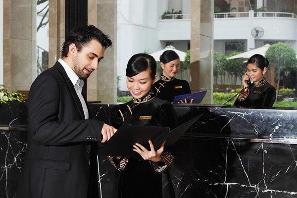 Những công việc của một lễ tân khách sạn