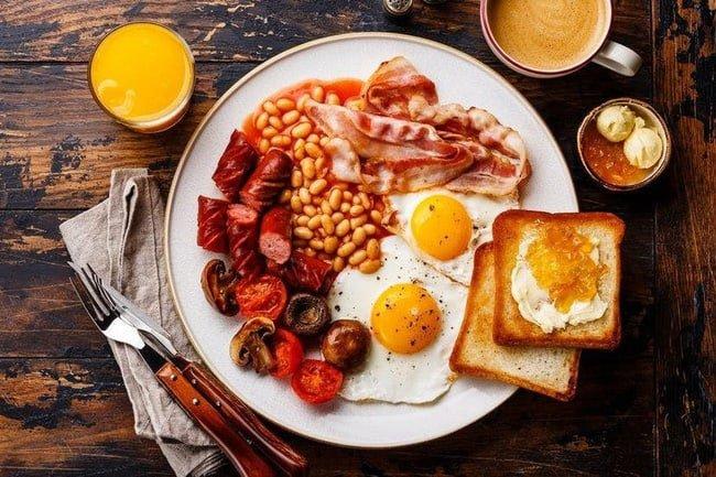 Các món ăn sáng phổ biến cần phải có trong khách sạn