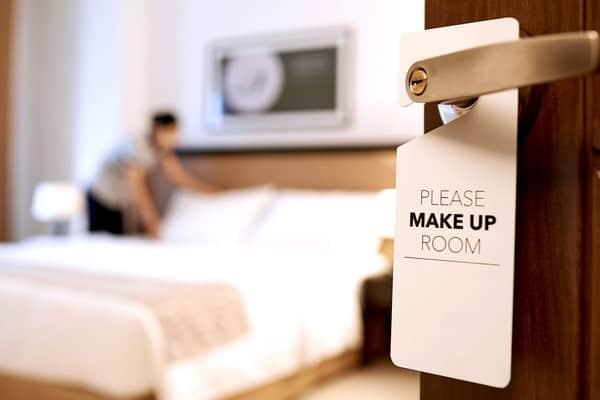 Thuật ngữ và từ viết tắt về tình trạng phòng nhân viên khách sạn cần biết