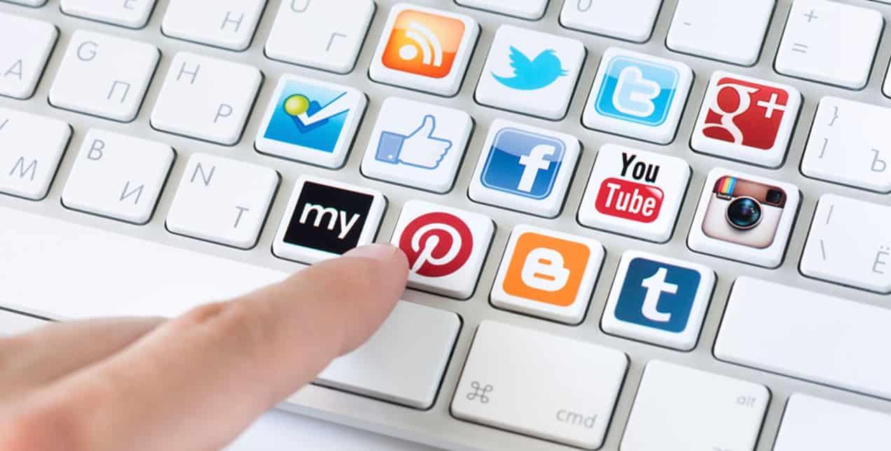 Đặt phòng trên các trang mạng xã hội