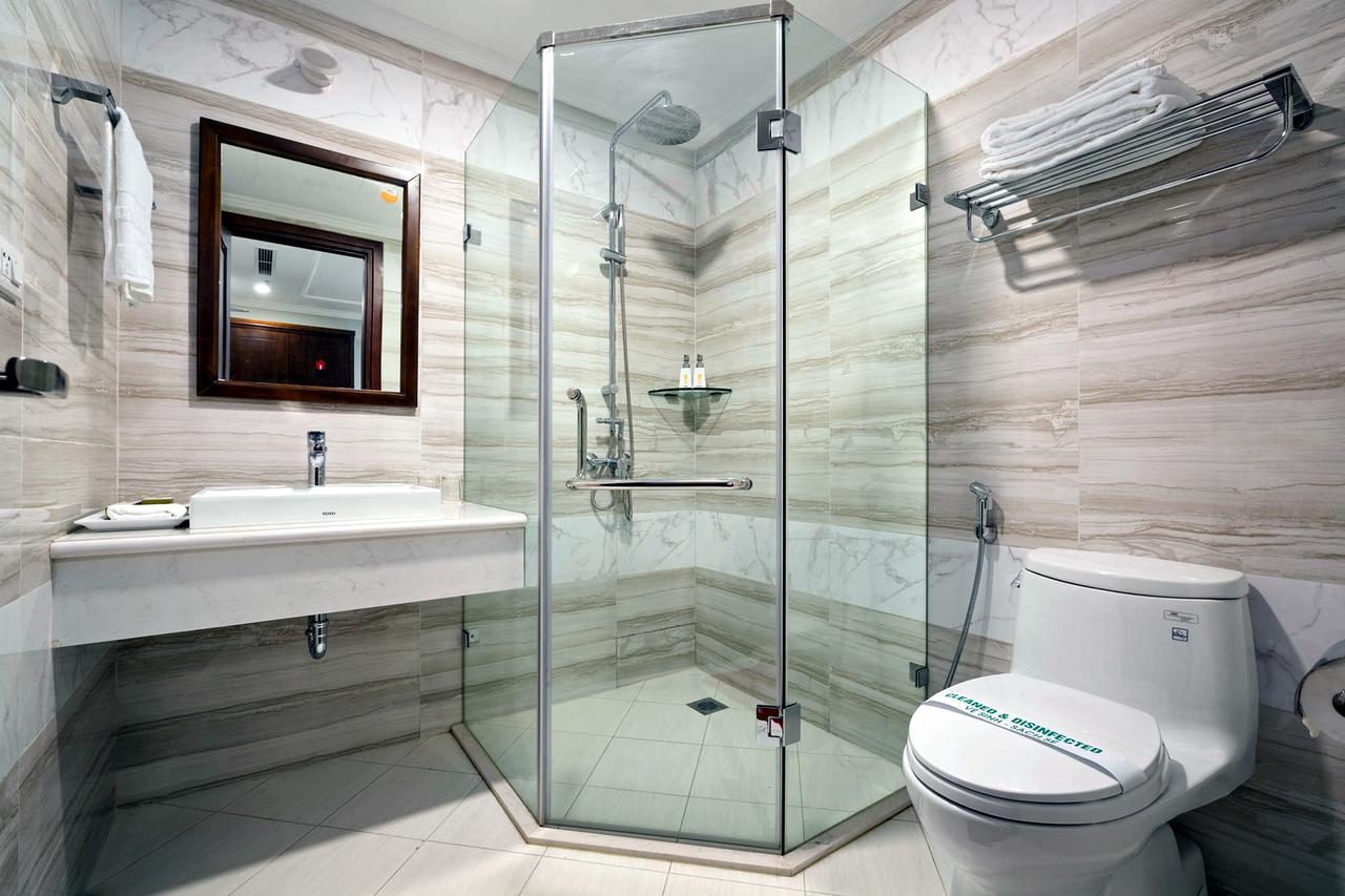 Phòng tắm khách sạn Bình Anh