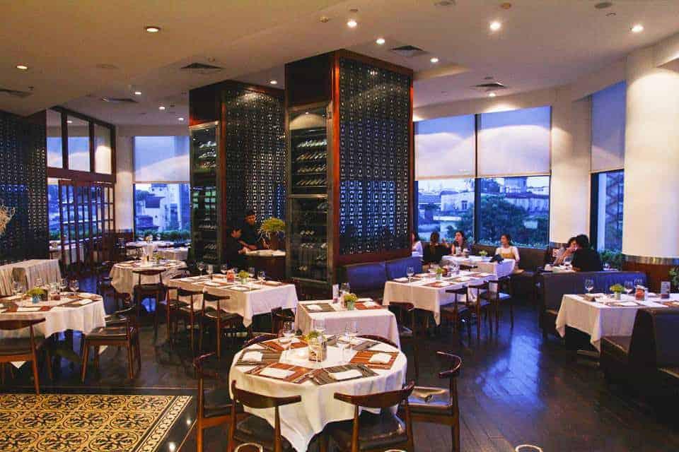 """Nhà hàng sang trọng là 1 trong 6 """"tuyệt chiêu"""" thu hút khách hàng doanh nhân đến với khách sạn của bạn"""