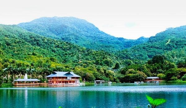 Nghỉ lễ 2/9, đi trốn ở khu nghỉ dưỡng gần Hà Nội hay điểm du lịch?