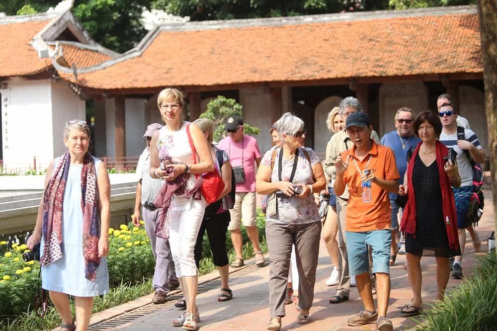 Giải pháp thu hút khách du lịch quốc tế đến Việt Nam