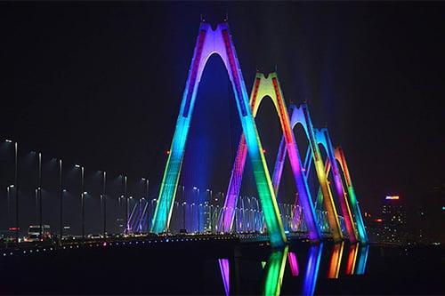 10 điểm du lịch Hà Nội không thể bỏ qua 2019 - cầu nhật tân