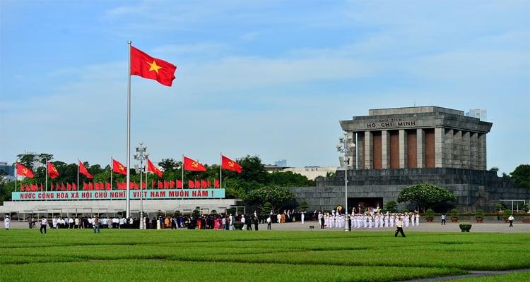 10 điểm du lịch Hà Nội không thể bỏ qua 2019 - quảng trường ba đình