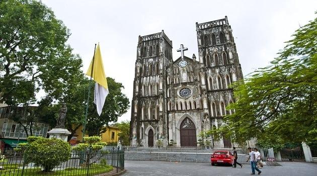 10 điểm du lịch Hà Nội không thể bỏ qua 2019 - nhà thờ lớn Hà Nội