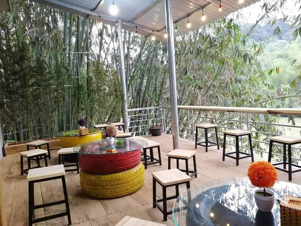 Ha Giang Riverside Hostel and Tour