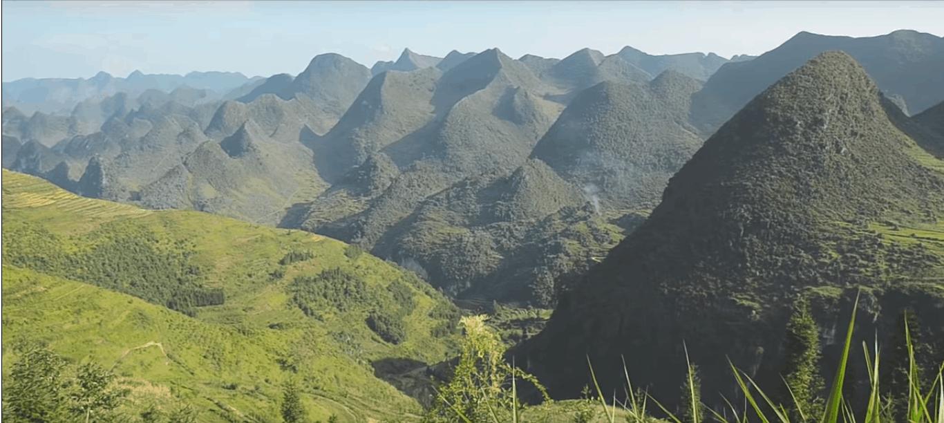 Núi non hùng vĩ ở Ma Lé