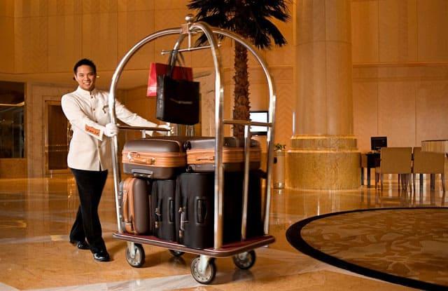 Quy trình phục vụ hành lý đúng chuẩn Bellman cần biết