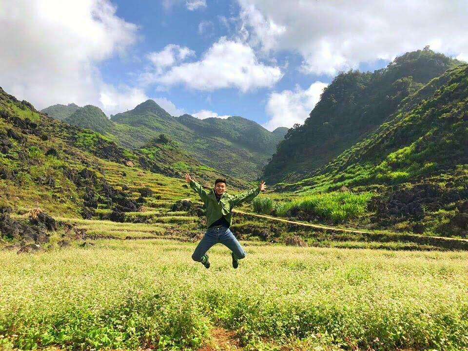Hoa tam giác mạch đầu mùa tại Thung lũng Sủng Là