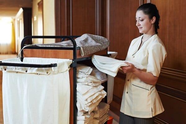 Room Attendant là gì? 9 tips giúp nhân viên Room Attendant dọn phòng nhanh, hiệu quả