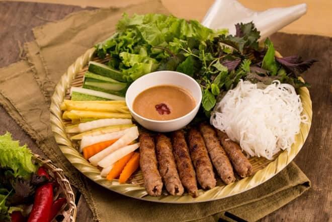 10 Nhà hàng quán ăn ngon ở Huế khiến cho thực khách  mê đắm  ngay lần đầu