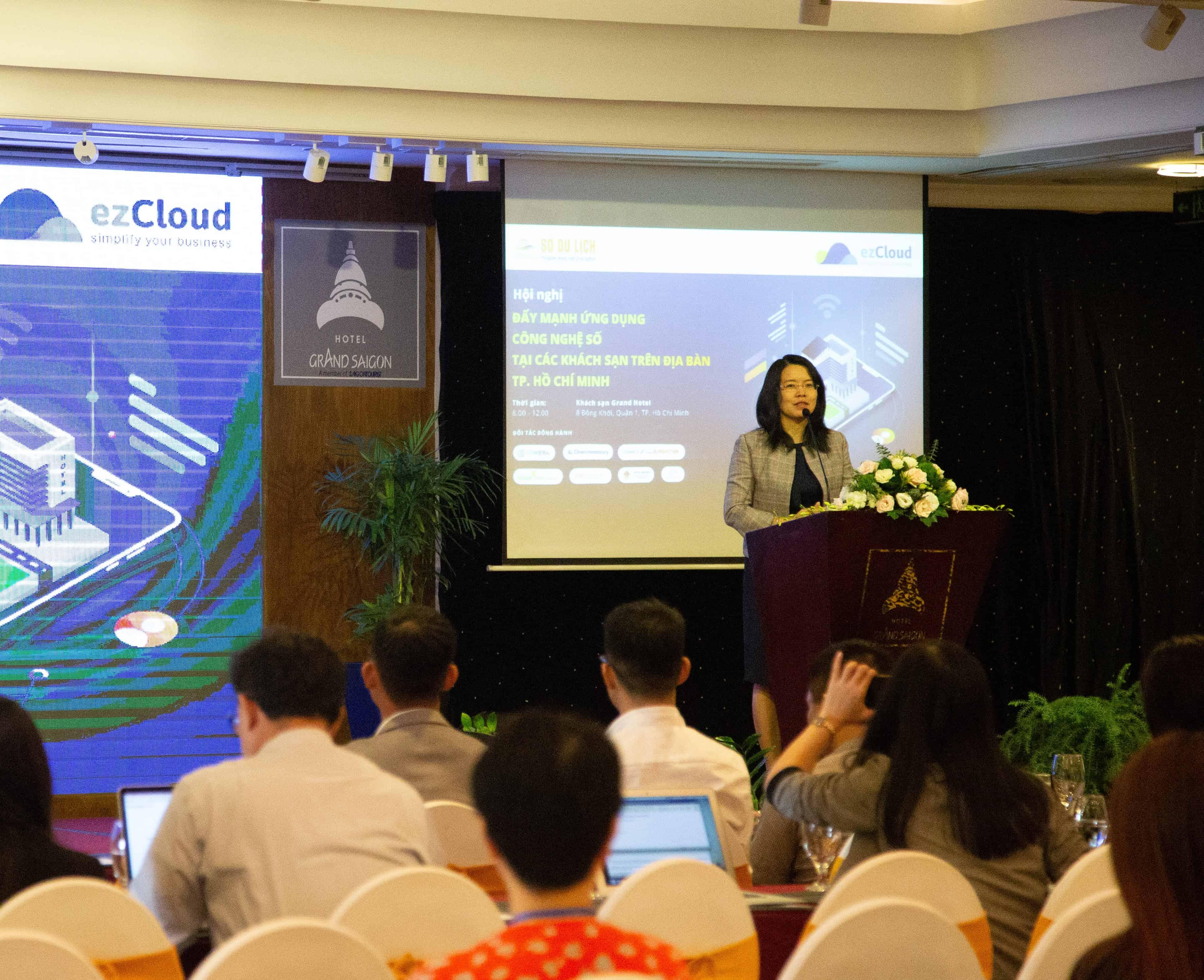 Đẩy mạnh ứng dụng công nghệ số trong quản lý và kinh doanh khách sạn